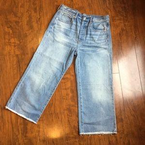 America Eagle-High waist crop Jean. Size 8 Short